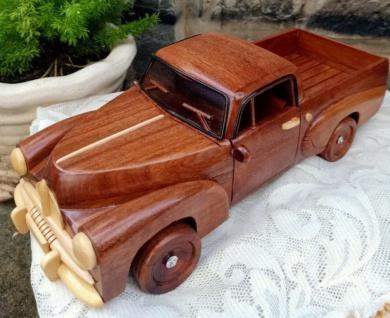 Casa Padrino Deko Oldtimer Pickup Auto Braun / Naturfarben 40 x 23 x H. 18 cm - Handgefertigtes Holz Auto - Wohnzimmer Deko - Schreibtisch Deko - Deko Accessoires