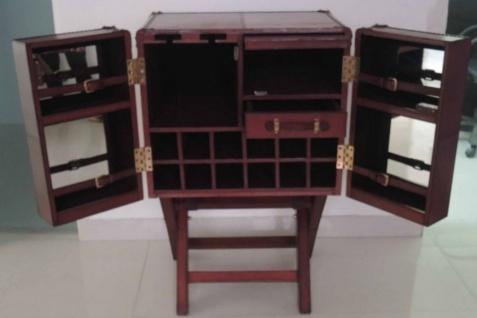Casa Padrino Luxus Echtleder Barschrank Cognac Braun 61 x 52 x H. 93, 5 cm - Kleiner Weinschrank mit 2 Türen im Koffer Design
