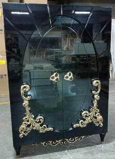Casa Padrino Luxus Barock Vitrine Schwarz / Gold 116 x 46 x H. 170 cm - Beleuchteter Massivholz Vitrinenschrank mit 2 Glastüren - Edle Barock Möbel