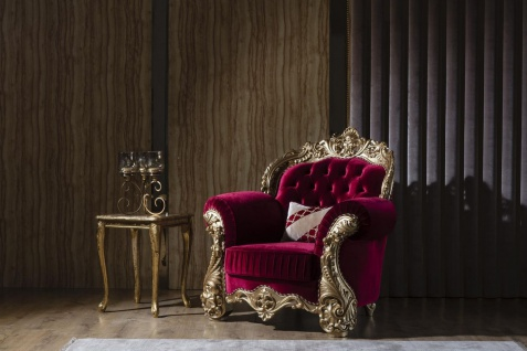 Casa Padrino Luxus Barock Sessel Bordeauxrot / Gold 120 x 100 x H. 117 cm - Prunkvoller Wohnzimmer Sessel mit dekorativem Kissen - Barock Wohnzimmer Möbel