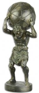 Casa Padrino Dekofigur Atlas trägt Weltkugel Bronzefarben 16, 4 x 15, 5 x H. 41, 9 cm - Polyresin Deko Skulptur