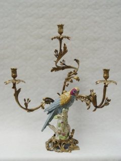 Casa Padrino Barock Kerzenständer Messing / Porzellan Papagei im italienischen Stil H62 cm - Antik Stil Kerzenhalter Vogel