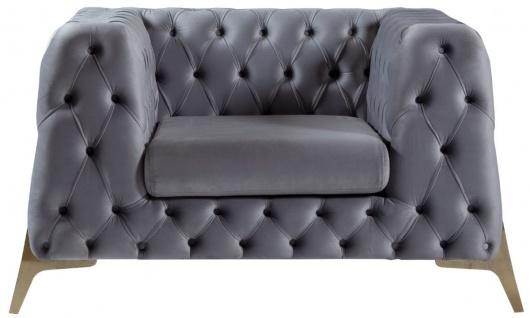 Casa Padrino Luxus Chesterfield Samt Sessel Grau / Messing 125 x 95 x H. 81 cm - Moderner Wohnzimmer Sessel - Chesterfield Möbel