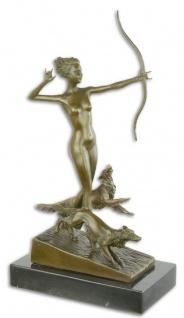 Casa Padrino Luxus Bronze Skulptur Frau mit Bogen und Hunden Bronze / Gold / Schwarz 18, 3 x 10, 3 x H. 34, 5 cm - Bronzefigur mit Marmorsockel - Dekofigur