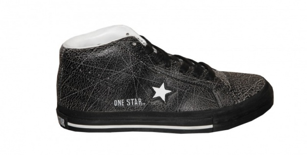 Converse Skateboard Schuhe One Star Mid Black / White Sneakers Shoes