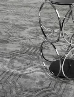 Casa Padrino Luxus Viskose Wohnzimmerteppich Grau - Verschiedene Größen - Handgewebter Luxus Teppich