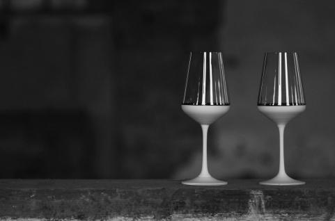 Casa Padrino Luxus Rotweinglas 6er Set Weiß / Silber Ø 8, 5 x H. 24 cm - Handgefertigte und handbemalte Weingläser - Hotel & Restaurant Accessoires - Luxus Qualität
