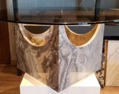 Casa Padrino Luxus Marmor Couchtisch mit Glasplatte Grau / Bronzefarben Ø 90 x H. 43 cm - Runder Wohnzimmertisch aus hochwertigem Marmor - Luxus Wohnzimmer Möbel - Vorschau 2