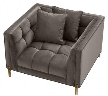 Casa Padrino Luxus Samt Sessel mit 2 Kissen Grau / Messingfarben 104 x 95 x H. 68 cm - Luxus Wohnzimmer Möbel - Vorschau 3