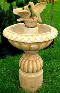 Casa Padrino Jugendstil Gartenbrunnen mit dekorativen Tauben Beige Ø 73 x H. 125 cm - Eleganter Garten Springbrunnen - Barock & Jugendstil Gartendeko Brunnen