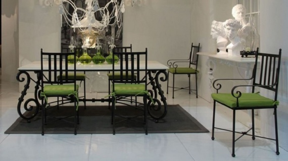 Casa Padrino Luxus Jugendstil Gartenstuhl Set mit Armlehnen und Sitzkissen Schwarz / Grün 47 x 50 x H. 103 cm - Handgeschmiedete Esszimmer Stühle - Esszimmer Garten Terrassen Möbel