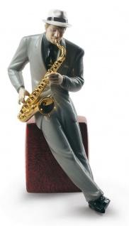 Casa Padrino Porzellan Skulptur Jazz Saxophonist Mehrfarbig 23 x H. 29 cm - Hangefertigte & Handbemalte Luxus Deko Figur