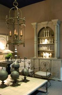 Casa Padrino Luxus Jugendstil Gartenstuhl Set mit Armlehnen und Sitzkissen Braun / Weiß 60 x 44 x H. 97 cm - Handgeschmiedete Esszimmer Stühle - Esszimmer Garten Terrassen Möbel - Vorschau 3