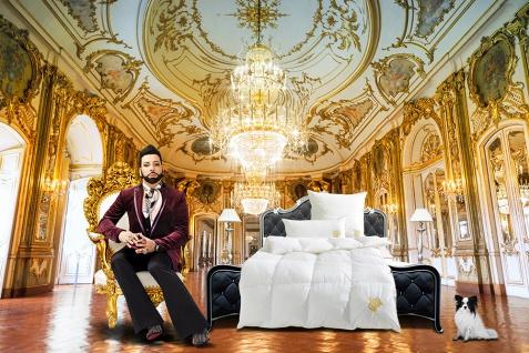 Harald Glööckler Designer Kopfkissen 80 x 80 cm Weiß / Gold + Casa Padrino Luxus Barock Bleistift mit Kronendesign - Vorschau 5