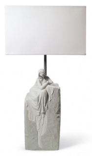 Casa Padrino Luxus Tischleuchte Grau / Weiß 30 x 20 x H. 57 cm - Designer Tischlampe mit hangefertigter Porzellan Skulptur einer meditierender Frau Mod1