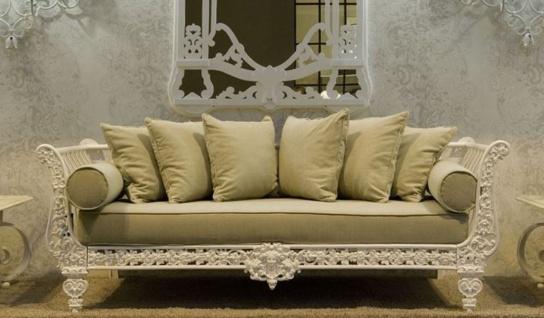 Casa Padrino Luxus Barock Sofa Weiß / Hellgrün 212 x 87 x H. 77 cm - Handgeschmiedetes Schmiedeeisen Sofa mit Kissen - Wohnzimmer Sofa - Garten Sofa - Terrassen Sofa - Barock Möbel