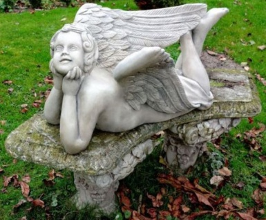 Casa Padrino Jugendstil Skulptur liegender Engel 25 x H. 43 cm - Gartendeko Figur - Special!