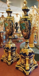Casa Padrino Barock Keramik Vasen mit Sockel Kobaltblau / Gold 60 x 60 x H. 215 cm - Prunkvolles Deko Set - Hotel & Restaurant Deko Accessoires - Vorschau 2