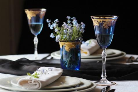 Casa Padrino Luxus Barock Weinglas 6er Set Hellblau / Gold Ø 9 x H. 21, 5 cm - Handgefertigte gravierte und handbemalte Weingläser - Hotel & Restaurant Accessoires - Luxus Qualität