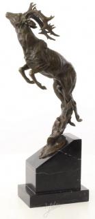 Casa Padrino Luxus Bronzefigur springender Hirsch Bronze / Schwarz 20, 4 x 9, 9 x H. 49, 5 cm - Elegante Dekofigur mit Marmorsockel - Vorschau 3