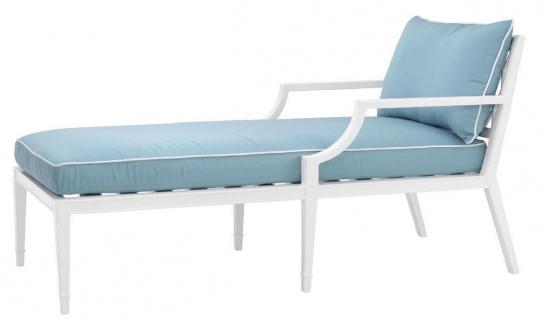 Casa Padrino Luxus Chaiselongue Weiß / Hellblau 68, 5 x 157 x H. 79 cm - Liegesessel aus hochwertigen strapazierbarem Aluminium - Wohnzimmermöbel - Gartenmöbel - Gastronomie Möbel