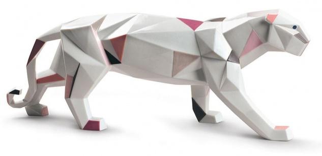 Casa Padrino Luxus Porzellan Panther Skulptur Weiß / Mehrfarbig 50 x H. 19 cm - Hangefertigte & Handbemalte Deko Figur