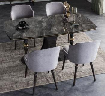 Casa Padrino Luxus Art Deco Esszimmer Set Grau / Schwarz / Messingfarben - 1 Esszimmertisch mit Glasplatte in Marmoroptik & 4 Esszimmerstühle - Art Deco Esszimmer Möbel