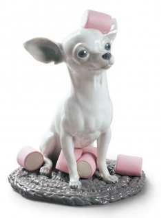 Casa Padrino Luxus Porzellan Skulptur Chihuahua mit Marshmallows Weiß / Mehrfarbig Ø 20 x H. 24 cm - Hangefertigte & Handbemalte Deko Figur