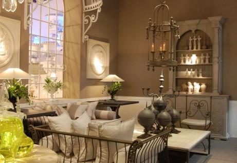 Casa Padrino Luxus Jugendstil Gartenstuhl Set mit Armlehnen und Sitzkissen Braun / Weiß 60 x 44 x H. 97 cm - Handgeschmiedete Esszimmer Stühle - Esszimmer Garten Terrassen Möbel - Vorschau 4