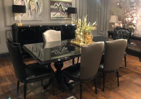 Casa Padrino Luxus Barock Esszimmer Set Schwarz / Gold - 1 Esstisch mit Glasplatte & 6 Esszimmerstühle - Edle Esszimmer Möbel im Barockstil