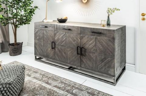 Casa Padrino Designer Massivholz Sideboard Grau 160 x 50 x H. 80 cm - Wohnzimmerschrank mit 3 Türen und 3 Schubladen - Wohnzimmermöbel - Vorschau 5