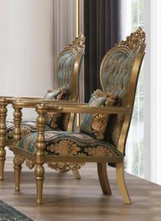 Casa Padrino Luxus Barock Sessel Grün / Gold - Prunkvoller Wohnzimmer Sessel mit elegantem Muster und dekorativem Kissen - Barock Wohnzimmer Möbel