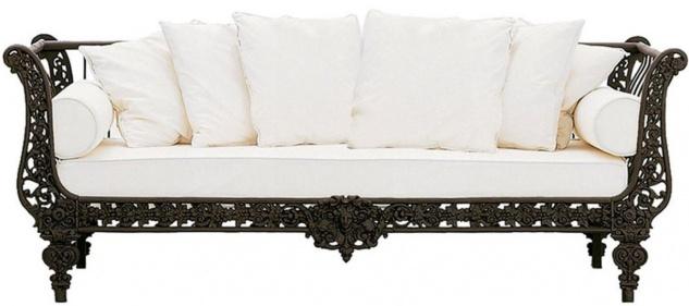 Casa Padrino Luxus Barock Sofa Dunkelbraun / Weiß 212 x 87 x H. 77 cm - Handgeschmiedetes Schmiedeeisen Sofa mit Kissen - Wohnzimmer Sofa - Garten Sofa - Terrassen Sofa - Barock Möbel