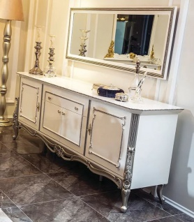 Casa Padrino Luxus Barock Möbel Set Sideboard mit Spiegel Weiß / Silber - Massivholz Schrank mit elegantem Wandspiegel - Edel & Prunkvoll