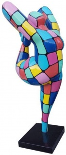 Casa Padrino Designer Deko Skulptur Akrobatische Frau Mehrfarbig H. 200 cm - Wetterbeständige Dekofigur - Gartendeko Skulptur - Gartenfigur
