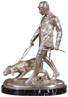 Casa Padrino Luxus Bronzefigur Jäger mit Hund Silber / Schwarz 45 x 28 x H. 61 cm - Bronze Skulptur mit Marmorsockel - Schreibtisch Deko - Wohnzimmer Deko - Luxus Qualität