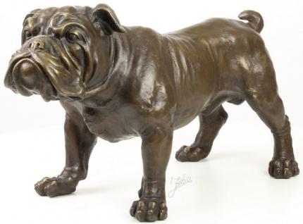 Casa Padrino Luxus Bronzefigur Englische Bulldogge Bronze 54, 5 x 24, 1 x H. 31 cm - Dekofigur