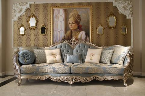 Casa Padrino Luxus Barock Wohnzimmer Sofa Hellblau / Beige / Silber 295 x 95 x H. 115 cm - Prunkvolles Sofa im Barockstil - Edle Barock Wohnzimmer Möbel