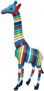 Casa Padrino Designer Deko Giraffe mit Streifen Mehrfarbig H. 205 cm - Riesige Dekofigur - Tierfigur - Gartendeko Skulptur - Gartenfigur