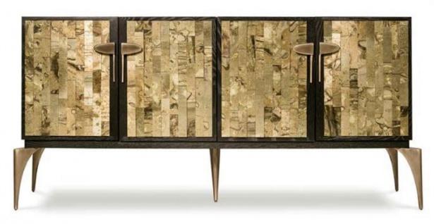 Casa Padrino Designer Sideboard Dunkelbraun / Gold / Messing 192 x 46 x H. 90 cm - Massivholz Schrank mit 4 Türen - Wohnzimmer Möbel - Hotel Möbel - Luxus Kollektion