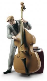Casa Padrino Porzellan Skulptur Jazz Bassist Mehrfarbig 20 x H. 35 cm - Hangefertigte & Handbemalte Luxus Deko Figur
