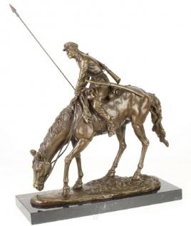 Casa Padrino Luxus Bronze Skulptur Soldat mit Pferd Bronze / Gold / Schwarz 43, 9 x 15 x H. 43, 2 cm - Deko Bronzefigur