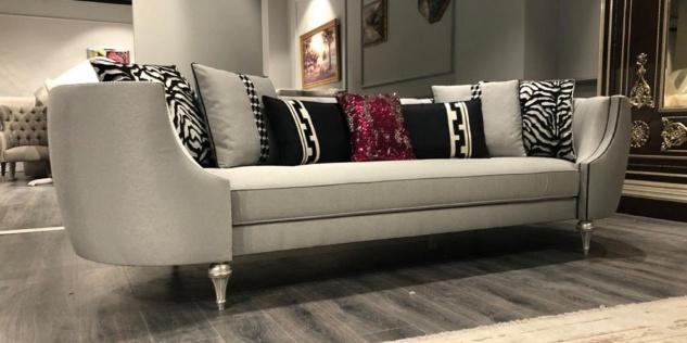 Casa Padrino Luxus Barock Sofa Silber / Antik Silber - Handgefertigtes Wohnzimmer Sofa - Edle Barock Wohnzimmer Möbel