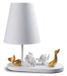 Casa Padrino Luxus Tischleuchte Weiß / Gold 33 x H. 41 cm - Tischlampe mit handgefertigten & handbemalten Porzellan Meerjungfrauen