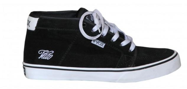 Vox Skateboard Schuhe Vato Black Suede / White