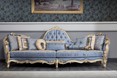 Casa Padrino Luxus Barock Chesterfield Sofa Hellblau / Antik Gold 300 x 90 x H. 119 cm - Prunkvolles Barock Wohnzimmer Sofa - Barockmöbel