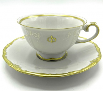 Casa Padrino Luxus Barock Porzellan Kaffeetasse mit Untertasse Weiß / Gold - Edles Reichenbach Porzellan - Made in Germany