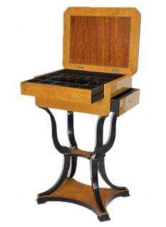 Casa Padrino Barock Nähtisch / Uhrenbox Tisch Vogelaugen Ahorn / Gold - Nachtschrank Antik Stil