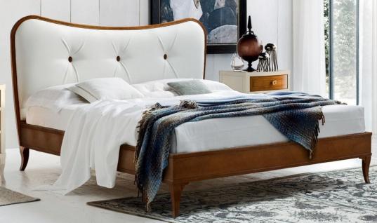 Casa Padrino Luxus Biedermeier Doppelbett Braun / Weiß 182 x 214 x H. 120 cm - Massivholz Bett mit Echtleder Kopfteil - Schlafzimmer Möbel - Luxus Qualität
