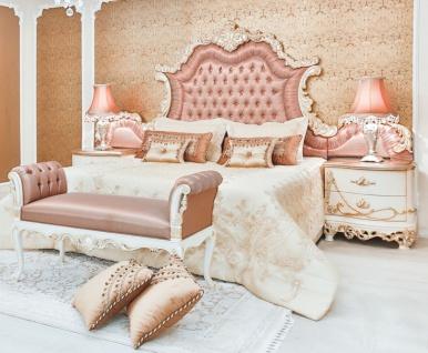Casa Padrino Luxus Barock Schlafzimmer Set Rosa / Weiß / Creme / Kupferfarben - 1 Doppelbett mit Kopfteil & 2 Nachttische & 1 Sitzbank - Barock Schlafzimmer Möbel - Edel & Prunkvoll